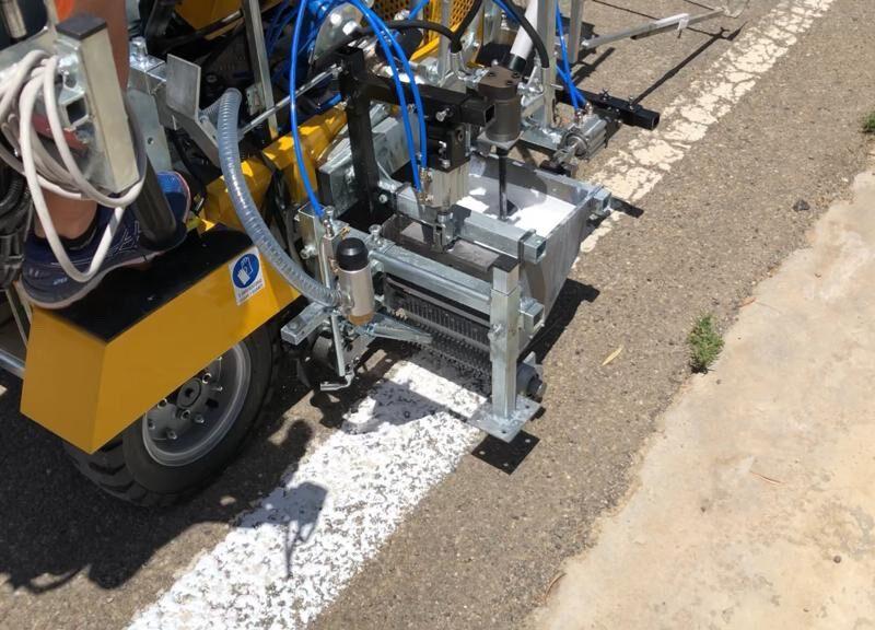 MR 20 UNIVERSAL Road Mark Equipments